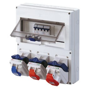 Wired COMBIBLOC boards with compact interlocked socket-outlets - IP44/IP55
