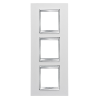 LUX INTERNATIONAL PLATE - IN TECHNOPOLYMER - 2+2+2 GANG VERTICAL - MILK WHITE - CHORUS